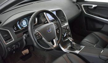 Volvo XC60 2.0 D 163CV Geartronic Momentum pieno